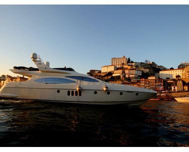 Yacht Azimut